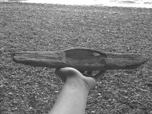 driftwood_smartphone_holder