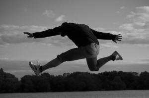 man_jumping_199598